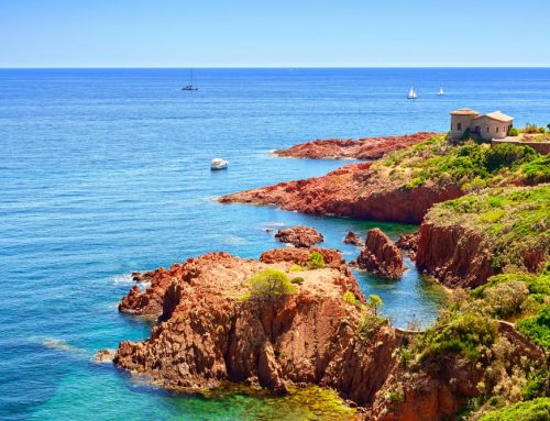 Faire de la plongée sur la Côte d'Azur.